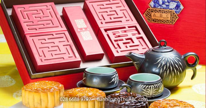 Premium Set Gà Quay Yến Sào, Bào Ngư XO, Sen Dứa, Tiramisu